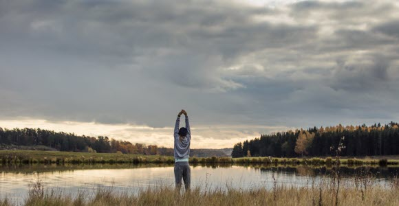 Photo: Woman at lake